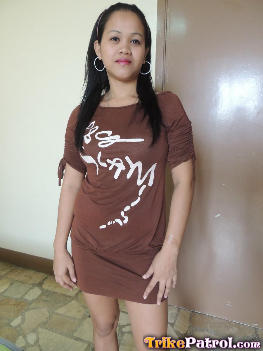 busty filipina babe joy