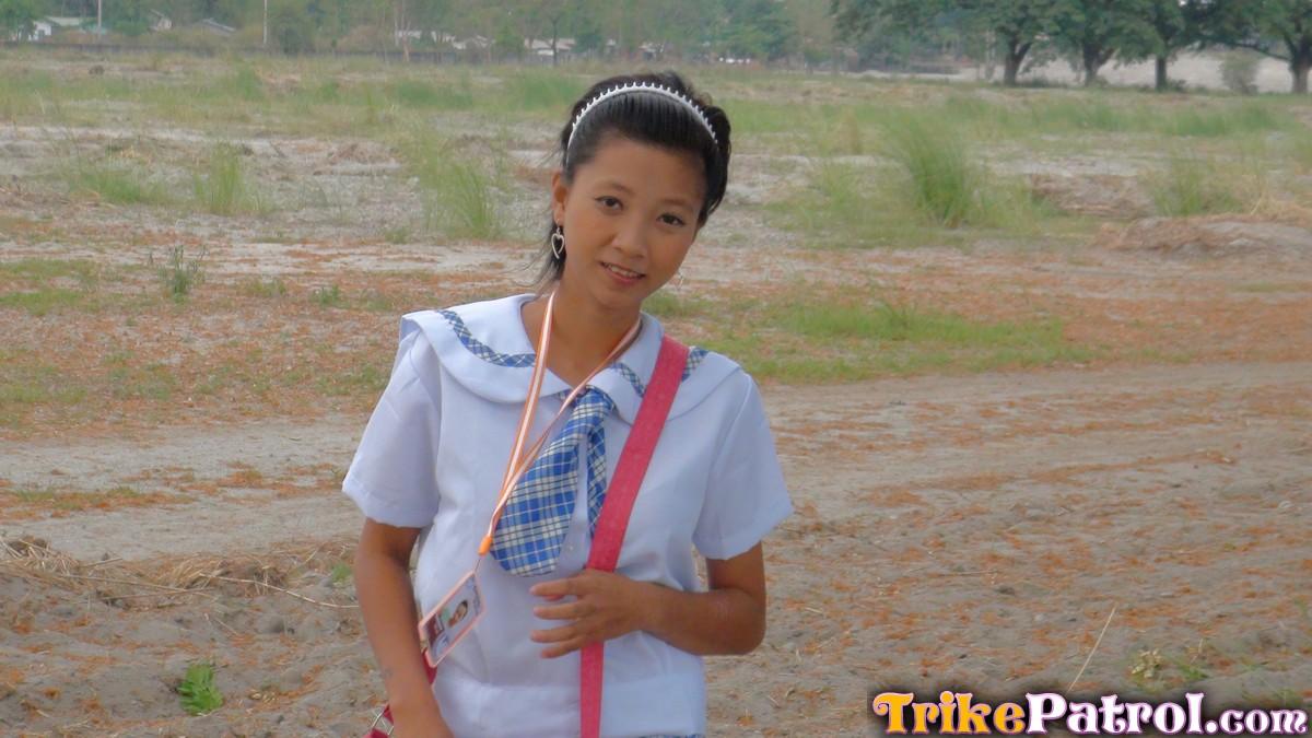 filipina schoolgirls