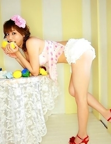 Yumi Sugimoto sexy doll loves lemons and playing around