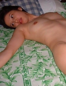 Naked Oriental bitch posing for her boyfriend