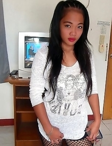 Stunningly hot young Filipina babe Miray
