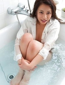 Mei Matsumoto spoils big bum, big jugs and cunt with shower