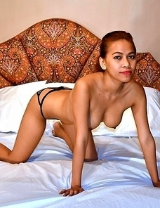 Amateur Pinay Sora with long legs gets hot load of cum on her chest